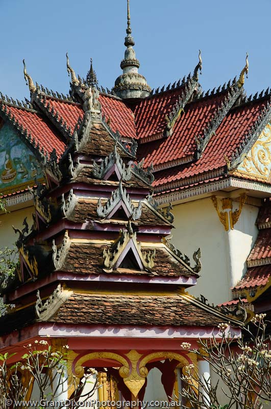 image of Wat Tham Fai roof 2