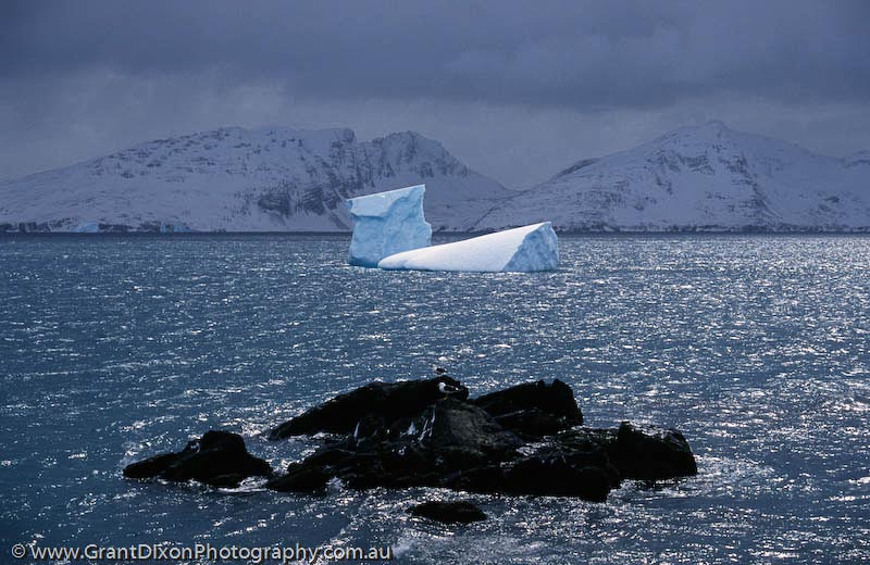 image of Bay of Isles iceberg
