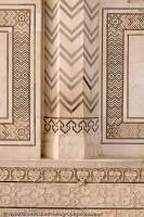INDIA, Uttar Pradesh, Agra. Scupted and inlaid marble at Taj Mahal, built by Mughul emperor Shah Jahan in 1630 as mauseleum for his queen Mumtaz Mahal. A World Heritage site and considered one of the new 7 wonders of the world.